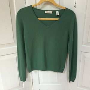 Lord & Taylor 2 ply Cashmere Green Sweater